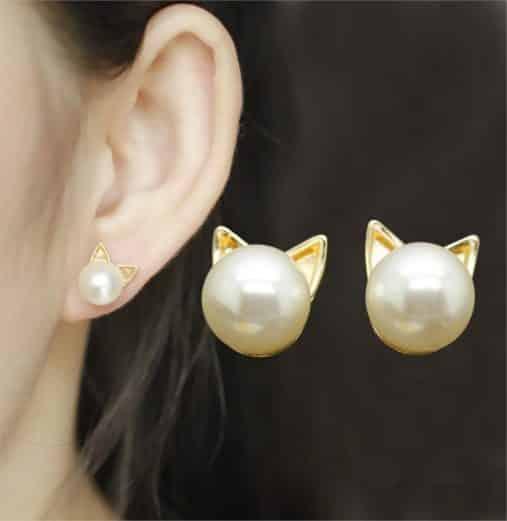 Gold & Pearl Cat Earring